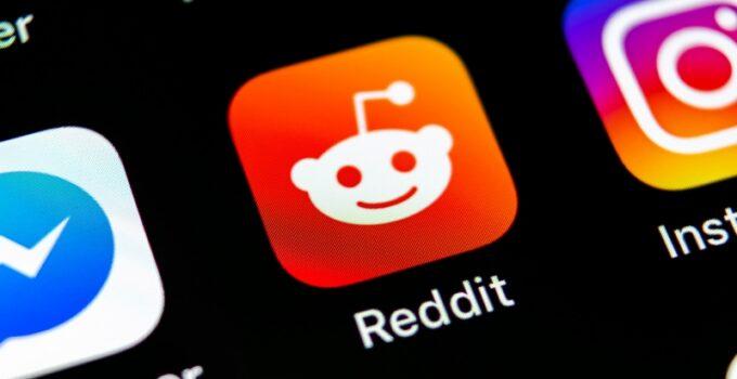 Websites like Reddit